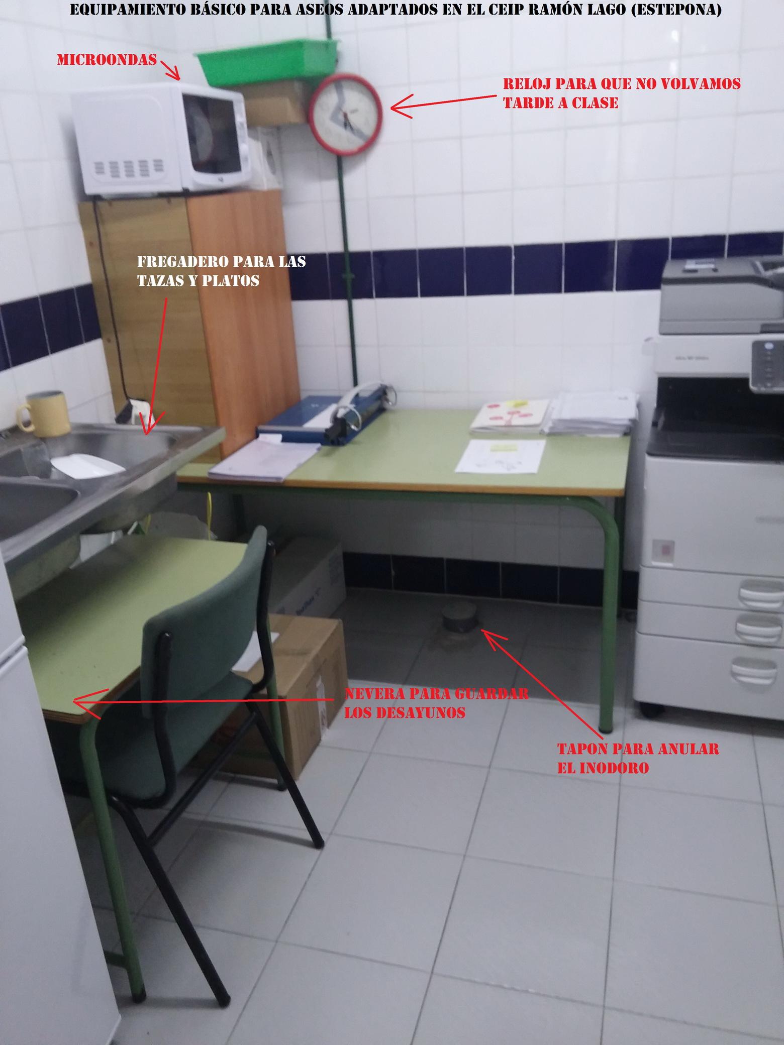 Aseo Adaptado Dimensiones:CEIP Ramón Lago de Estepona, donde la accesibilidad es una broma